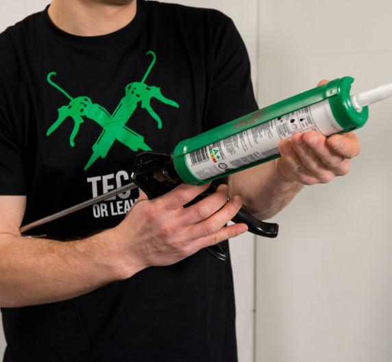 tec-gun-01.jpg